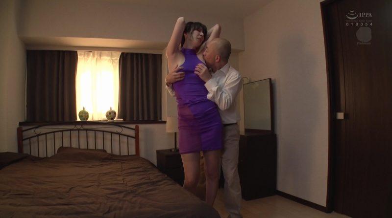 澤村レイコの脇を舐め回す男
