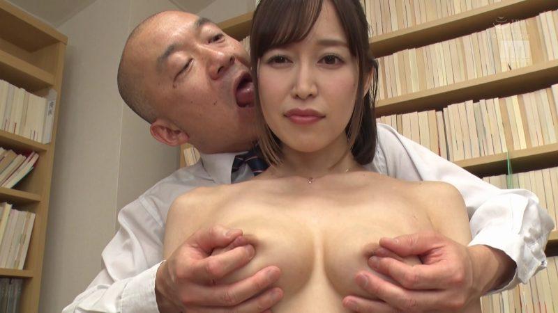 後ろから篠田ゆう先生のオッパイ乳首コリコリしながら耳舐め